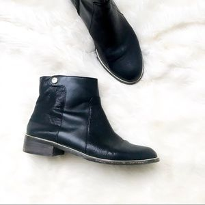 Louise et Cie | Lo Courmay black booties